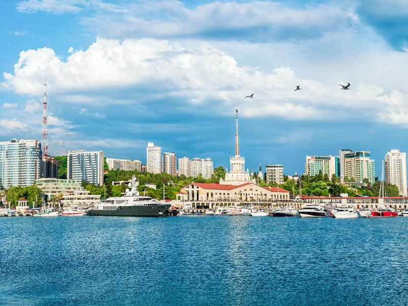 Названы самые дешевые российские курортные города