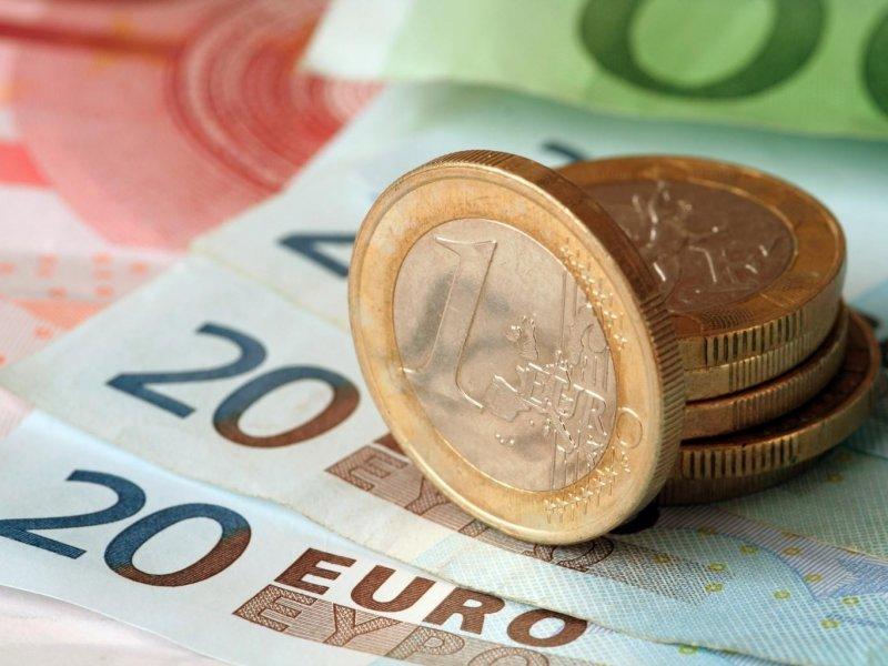 Курс евро превысил 85 рублей впервые с 2016 г