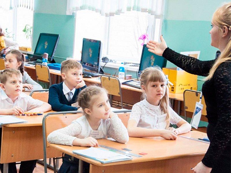В России школьникам запретят приносить с собой еду из дома
