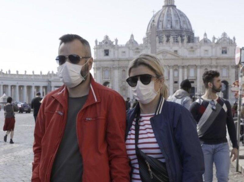 ВОЗ: здоровым людям ношение масок не требуется