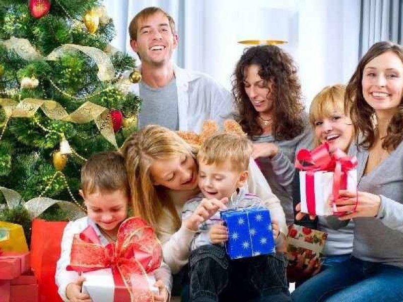 Названы самые популярные новогодние подарки
