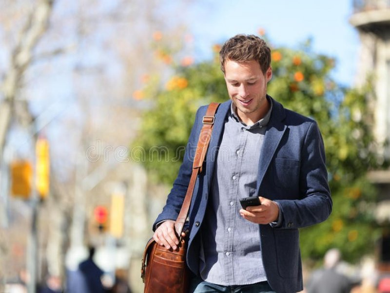 Советы доктора Комаровского:как быть с мобильным телефоном?