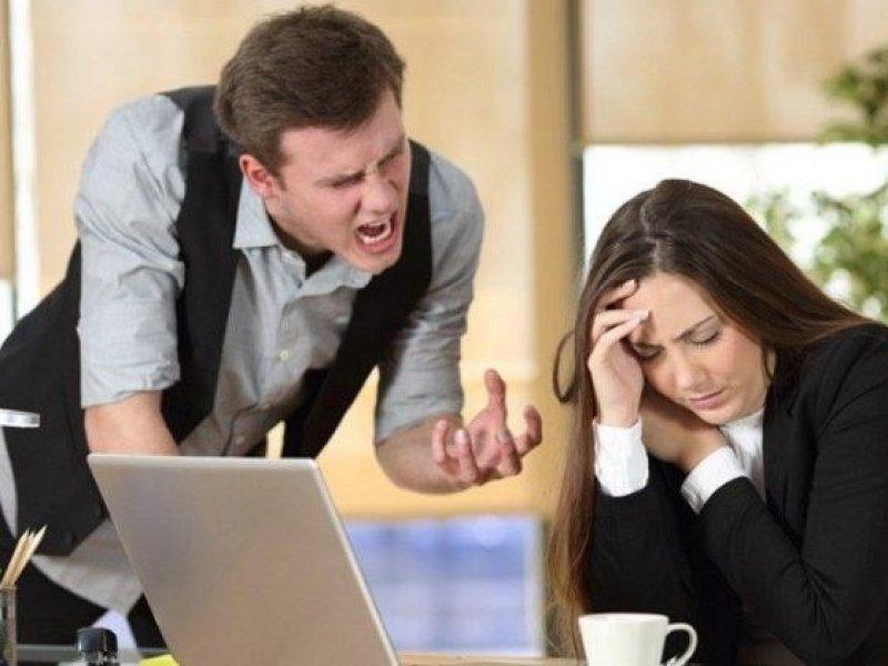 В  каких сферах работники чаще всего ругаются матом