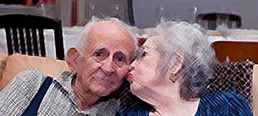 Итальянец разводится с женой после 77 лет брака из-за найденных писем