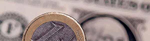 Курс доллара упал до 56,3 рубля