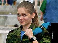 Депутаты хотят призывать российских  девушек на военную службу