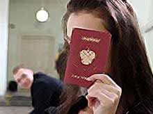 Очереди за загранпаспортом сократят до 15 минут