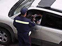 За управление автомобилем без одного номера будут лишать прав