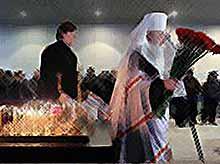"""Только чудо и вера в судьбу спасли некоторых людей в """"Домодедово""""."""