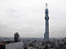 Самая высокая свободно стоящая телевизионная башняTokio Sky Tree выдержала разрушительное землетрясение.(видео)