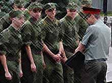 Студентов и аспирантов  этой осенью в армию  призывать не будут