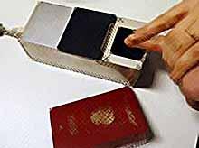 Россияне с 1 июля смогут получать загранпаспорта с отпечатками пальцев