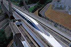 Япония будет строить самую скоростную железнодорожную линию на магнитной подушке