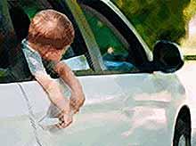В Ростове двое маленьких детей погибли в машине из-за жары
