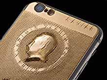 Итальянцы посвятили  Путину  золотой iPhone 6