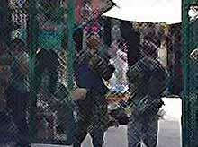 В Краснодаре вооруженные люди оцепили торговый центр. (видео)