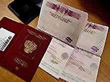 Украина вводит визовый режим с Россией и выходит из СНГ