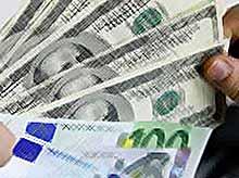 Курс рубля резко упал по отношению к доллару  (видео)
