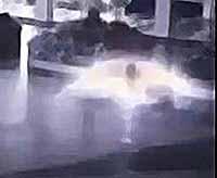 НЛО в виде падающего ангела сняли в Индонезии (видео)