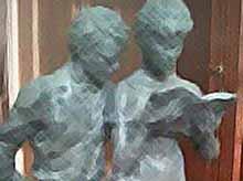 Памятник Шурику установят перед Кубанским госуниверситетом в Краснодаре.