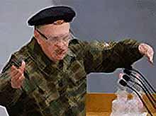 Жириновский в знак протеста пришел в Госдуму в камуфляже (видео)