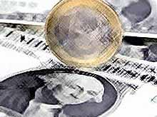 Курсы доллара и евро снова растут