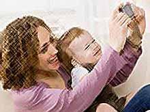 Семьи получают электронные сертификаты на материнский (семейный) капитал