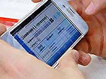 Родители узнают об успеваемости своих детей через SMS и электронную почту.