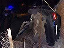 В Тимашевске  «БМВ» с людьми врезалась в столб.