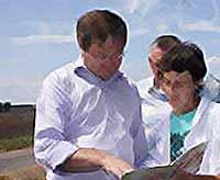 Министр сельского хозяйства Кубани проверил, как проводятся мероприятия по ликвидации АЧС в Тимашевске(видео)