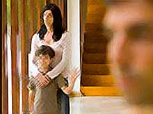Дети очень переживают развод родителей.