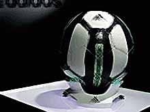 """Adidas  выпустила """"умный"""" футбольный мяч — Smart Ball."""