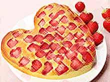 Пирог с клубникой на День Валентина