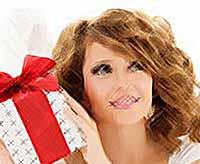 Как выбрать подарок девушке на 8 марта?