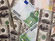 Доллар и евро стремительно растут