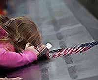 В США вспоминают жертв терактов 11 сентября 2001 года (видео)