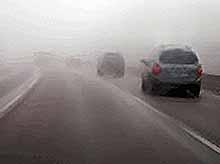 Водители - будьте особенно осторожными и внимательными в условиях недостаточной видимости!