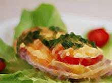 Пряная свинина с сыром и грибами в духовке