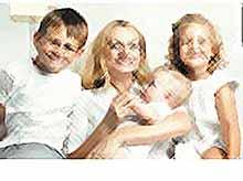 Госдума поддержала законопроект о начислении в стаж 4,5 лет ухода за детьми