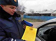 В Тимашевске  сотрудники ГИБДД провели рейдовое мероприятие  «Автокресло-детям».