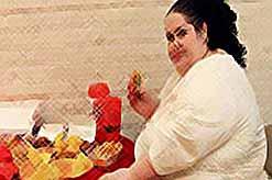 Женщина села на особую диету, чтобы стать самой тучной в мире