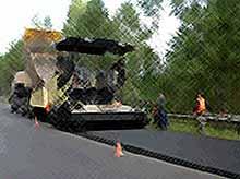 В России хотят проводить ремонт дорог из старых покрышек.