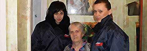 Молодежь Тимашевска поздравила  ветеранов с Днем 8 Марта