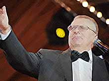 Жириновский поздравил студентов в Татьянин день : Никакой эротики!