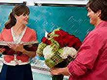 В России учителям и врачам  запретят принимать любые подарки, кроме цветов