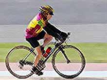 Столетний любитель вина и женщин, установил рекорд в велогонке