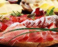 Каждый третий россиянин экономит на мясе, сыре и колбасе