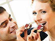 Мужчины любят сладкоежек (видео)