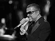 Названа причина внезапной смерти певца Джорджа Майкла