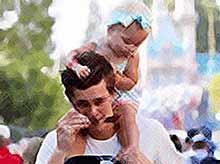 Отцы больше любят проводить время со своими детьми